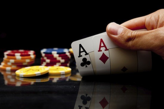 How to play against different types of poker players
